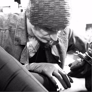 Gabs Hovacker. #GabsHovacker #Darkline #sketch #blackwork #linhas #tatuadoresdobrasil