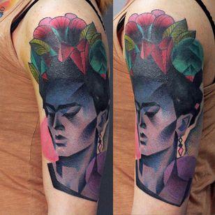 Frida Kahlo Tattoo by Ilona Kochetkova #AbstractTattoo #GraphicTattoos #ModernTattoos #ColorfulTattoos #BirghtTattoos #Minsk #ModernTattooArtists #IlonaKochetkova