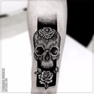 #FernandaVanDerBrooke #blackwork #tatuadorasbrasileiras #TatuadorasDoBrasil #skull #calavera #rose