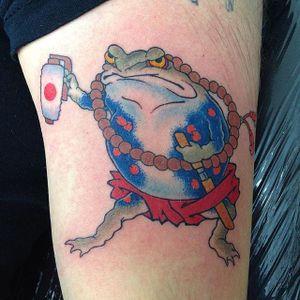 Toad Tattoo by Makoto Ohmatsu #toad #toadtattoo #japanesetoad #japanesetattoo #frog #japanesefrog #MakotoOhmatsu