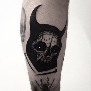 Horned Skull by Rud De Luca (via IG-ruddeluca) #illustrative #blackwork #monster #hell #demon #Ruddeluca