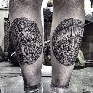 Stunning matching tattoos by Horikola #Horikola #medievalart #stgeorge #dragon #ship