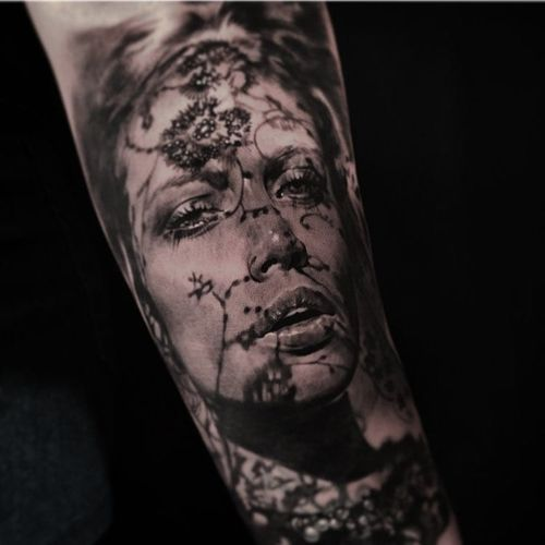 Portrait tattoo by Cold Gray #ColdGray #blackandgrey #realism #realistic #hyperrealism #portrait #lady #shadow #flowers #floral #nature #lips #eyes #pearls