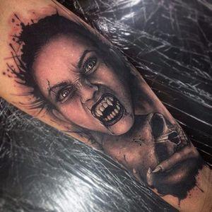 Vampire girl and skull by Beau Parkman. #blackandgrey #realism #BeauParkman #vampire #skull