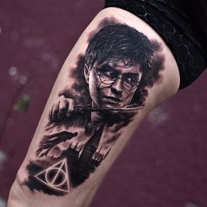 Deathly Hallows and Harry Potter by Travis Greenough #travisgreenough #realism #realistic #hyperrealism #HarryPotter #witch #wizard #deathlyhallows #dementor #Hogwarts #blackandgrey #tattoooftheday