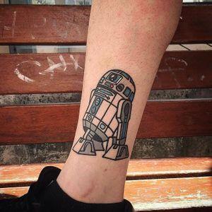 R2D2 tattoo by Vinz Flag. #VinzFlag #popculture #cartoon #bold #color #starwars #r2d2