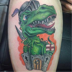 #dinossauro #cavaleiro #espada #knight #castelo #castle #VagnerAzevedo #NewSchool #coloridas #fullcolors #TatuadoresDoBrasil #brasil