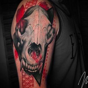 Animal skull tattoo by Michael Cloutier @cloutiermichael #Michaelcloutier #blackandgray #blackandgrey #blackandred #black #red #trashpolka #realism #animal #skull