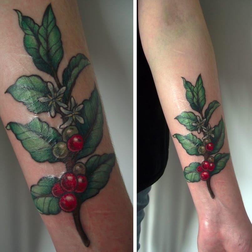 Por Caroline Jamhour! #CarolineJamhour #TatuadorasBrasileiras #TatuadorasdoBrasil #TattooBR #TattoodoBr #coffee #café