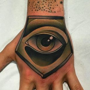 Strong and Stunning Eye Tattoo by Kike Esteras @Kike.Esteras #KikeEsteras #Neotraditional #Neotraditionaltattoo #Barcelona #Eye