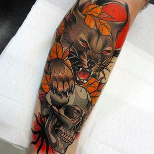 Lince por Lucas Ferreira! #LucasFerreira #tatuadoresbrasileiros #lynx #lynxtattoo #skull #skulltattoo #caveira #neotrad #neotraditional