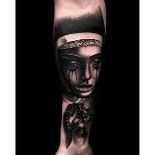 Nun tattoo by Benjamin Hinchliffe. #nun #scary #horrifying #creepy #macabre #portrait #horror #blackandgrey