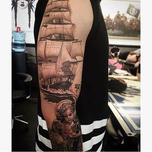 Black and grey sleeve via @juan_teyer #JuanTeyer #blackandgrey #ship #sleeve #nautical