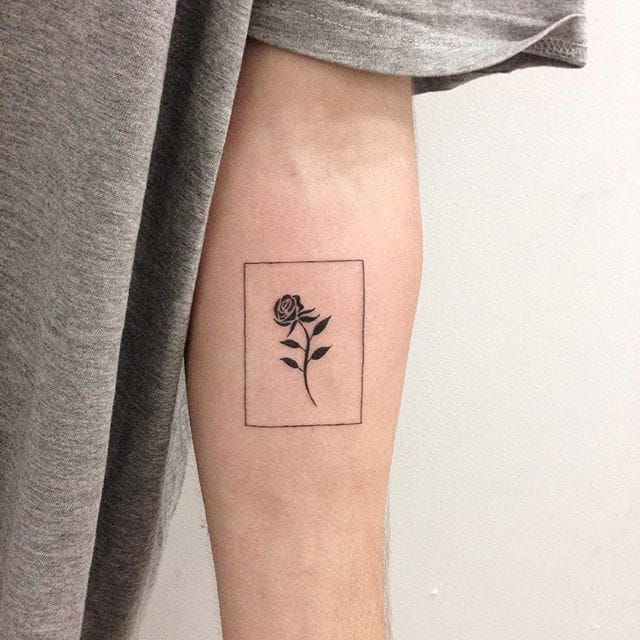 Bordered rose tattoo by René O'Donnell-Gibson. #ReneODonnelGibson #rene #linework #folktraditional #border #rose