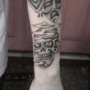 Skull Tattoo by Domino Daily #Fineline #BlackandGrey #FineLineTattoos #SingleNeedle #BlackandGreyTattoos #DominoDaily