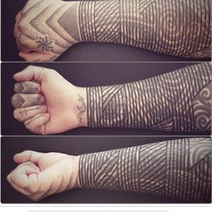 Solid linework blast over tattoos by Curly Moore #curlytattoo #linework #freehand #blastover #curlymoore