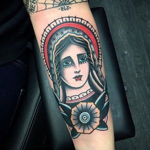 Lady head extraordinaire. #AlmagroTattooer #Traditional #neotraditional #ladyhead #lady