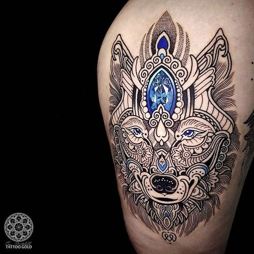 Wolf by Coen Mitchell #CoenMitchell #mosaic #mosaicflow #jewel #jewelry #color #wolf #tattoooftheday