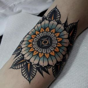 Traditional flower by Mors #Mors #color #traditional #flower #tattoooftheday