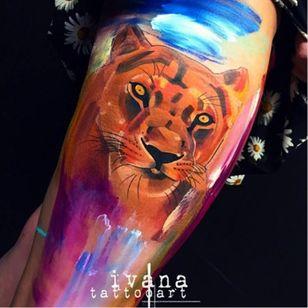 Painting style lioness by Ivana Belakova #lioness #lion #ivanabelakova #graphic #painting #watercolor