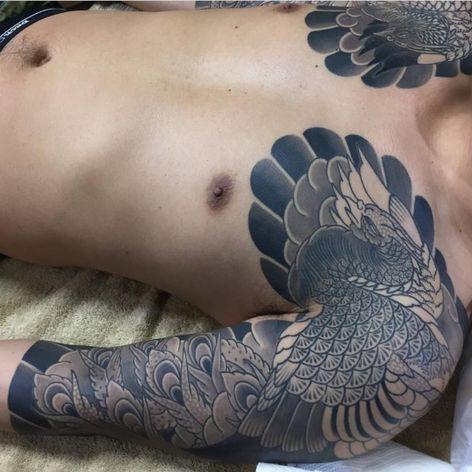 A black and grey half-sleeve of a Japanese phoenix by Horitada (IG—horitadajapan). #Horitada #Houou #Irezumi #Japanese #phoenix #traditional