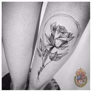 Vejo flores em você #ApolonioLuz #tatuadoresbrasileiros #tatuadoresdobrasil #sketchtattoo #blackwork