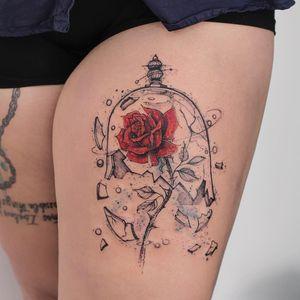 A rosa de A Bela e a Fera #RobsonCarvalho #brazilianartist #brasil #brazil #tatuadoresdobrasil #ilustrtação #illustration #sketchstyle #estilorascunho #watercolor #aquarela #rose #rosa #flor #flower #glass #vidro #abelaeafera #beautyandthebeast