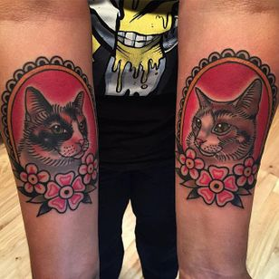Kit Kats by Phil DeAngulo (via IG-midwestphil) #cats #pets #flowers #animal #color #traditional #bold #PhilDeAngulo