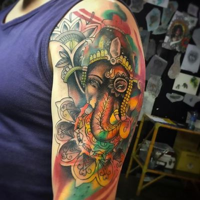 Linda! #SergioRodrigues #colorida #colorful #TatuadoresDoBrasil #elefante #elephant #ganesha
