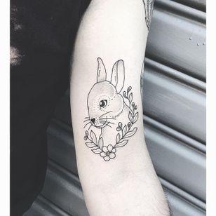 Tiny Rabbit by Lilly Anchor (via IG-lillyanchor) #flora #fauna #animals #flowers #lillyanchor #illustrative #linework