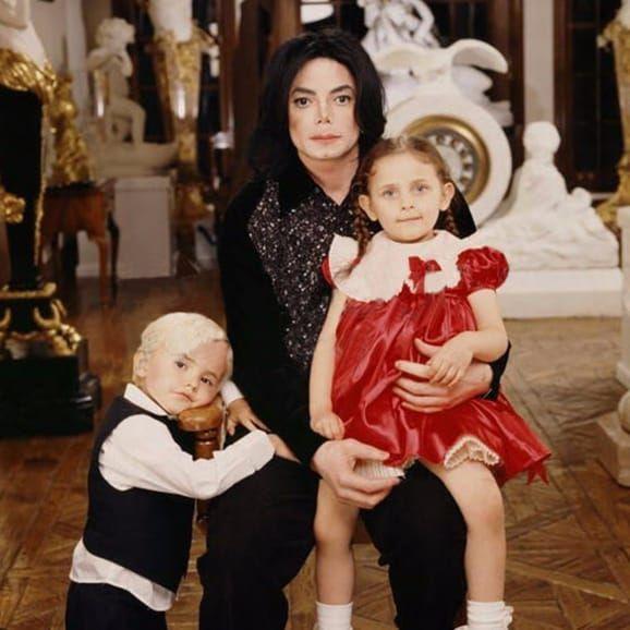 Michael Jackson with his kids #kids #MichaelJackson #family via dailymail.co.uk