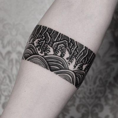 Traditional Korean painting motif. Tattoo by Arang Eleven #ArangEleven #besttattoos #linework #dotwork #waves #ocean #dots #stone #mountain #land #landscape #nature #Korean #illustrative