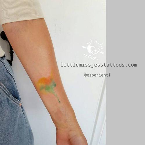 Watercolor tattoo by Jess Hannigan #JessHannigan #watercolor #shape
