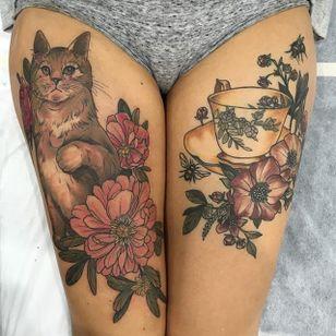 Kitten and Teacup by Sophia Baughan (via IG-sophiabaughan) #neotraditional #artnouveau #color #naturalist #kitten #cat #flowers #teacup #SophiaBaughan