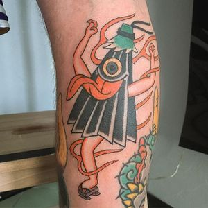 Kasa-Obake Tattoo by Monta Morino #kasaobake #kasaobaketattoo #kasaobaketattoos #japanesedesigns #weirdtattoo #funtattoos #fillertattoos #MontaMorino