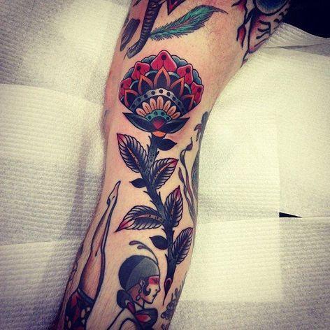 #kirkjones #traditional #bold #flower