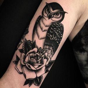 By Derick Montez  #derickmontez #idlehandsf #owl #rose #blackandgrey #idlehandtattoo #idlehandsf #sanfrancisco #lowerhaight