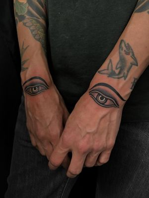 #eyes #buddhaeyes #traditionaltattoo #blackandgrey #ochoplacastattoo #miami #javierbetancourt #woman