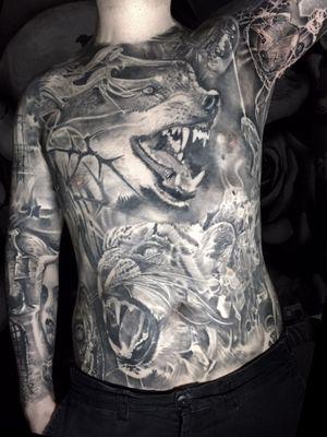 Too much to list on this guy ! #tattoo #tattoos #tattooartist #BishopRotary #BishopBrigade #BlackandGreytattoo #QuantumInk #ImmortalAlliance #SullenClothing #SullenArtCollective #Sullen #SullenFamily #TogetherWeRise #ArronRaw #RawTattoo #TattooLand #InkedMag #Inksav#BlackandGraytattoo #tattoodoapp #tattoodo