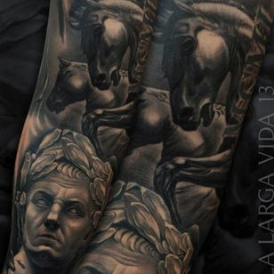 Cayo julio cesar @jumilla_largavida13 @radiantcolorsink @inkjecta #largavidatrece #jumilla #valencia #spain #tattoo #tattoos #tatuage #thebestspaintattooartists #artistasdeltatuaje #amtattoosuplies #vikingink #realismo #realistic #cayojuliocesar#horses #caballos