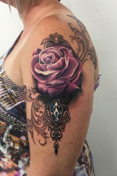 Loved doing this flowing arm to shoulder piece! 😃🌹 #travellingtattooist #ornamentaltattoo #jeweltattoo #gemtattoo #rose #jewel #ornamental #ornate #blackwork #dotwork #realism #hennism #floraltattoo #tattoodo #tattoodoApp #tattoo #ink #inkedgirls #tattooedgirls #tattoooftheday #amazingtattoos #tatouage #tatuaje #tatuagem #ryansmithtattooist #tattooartist