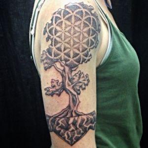 Geometree for a lovely lady #treetattoo #tattoooftheday #dotworktattoo #sacred #workhorseirons #Tattrx #tattooedwomen #inkmag #amazingink #sacredgeometrytattoo #dotbydot #coloradotattooartist #bouldertattoo #denvertattoo