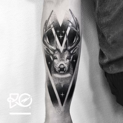 By RO. Robert Pavez • Sweet Deer • Studio Nice Tattoo • Stockholm - Sweden 2017 • #engraving #dotwork #etching #dot #linework #geometric #ro #blackwork #blackworktattoo #blackandgrey #black #tattoo #deer #deertattoo #fineline