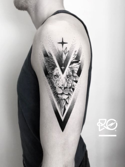 By RO. Robert Pavez • Souls of Lion ➖ Studio Vaders Dye - Hamburg 🇩🇪 • 2018  • #engraving #dotwork #etching #dot #linework #geometric #ro #blackwork #blackworktattoo #blackandgrey #black #tattoo #fineline
