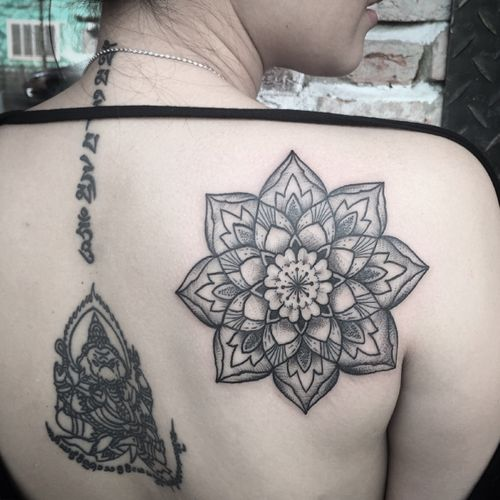 #BonBon_saigonink #blackwork #blackworkers #blackworkerssubmission #blacktattoo #blacktattooart #blacktattooing #mandala #mandalatattoo #theinkmasters #the_inkmasters #theartisthemotive #thebestspaintattooartists #darkartist #blxckink #dotwork #linework #inksav #inkedmag #tattoo#tattooart #tattooartist #tattoooftheday #tattoolife #tattoodo#tattoogirl #onlyblackart #flowers #flowertattoo#skinartmag