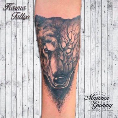 Black and grey wolf tattoo, design given by the client #tattoo #tatuaje #color #mexicocity #marianagroning #tatuadora #karmatattoo #awesome #colortattoo #tatuajes #claveria #ciudaddemexico #cdmx #tattooartist #tattooist #wolf #wolftattoo