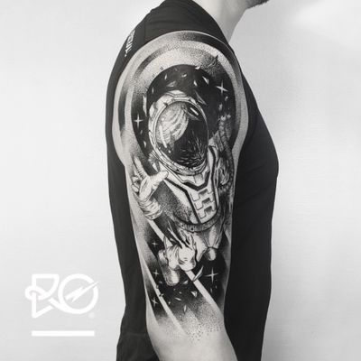 By RO. Robert Pavez • I'll keep trying until I die • Studio Nice Tattoo • Stockholm - Sweden 2017 • #engraving #dotwork #etching #dot #linework #geometric #ro #blackwork #blackworktattoo #blackandgrey #black #tattoo #fineline #polarbear #astronaut #astronauttattoos #spacetattoo #space