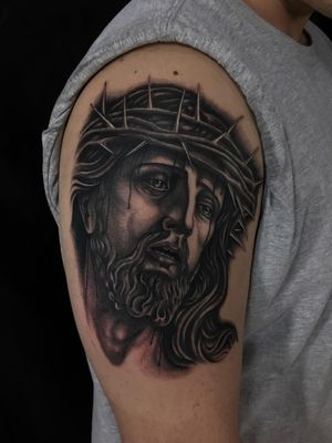 #jesus #traditionaltattoo #blackandgrey #ochoplacastattoo #miami #javierbetancourt #realism #religious