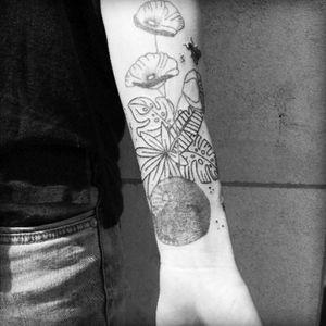• tropical flower for jessica • #tropicaltattoo  #tattooaprentice #blacklinetattoo