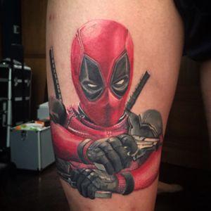 ⚡️Le Deadpool de @von_spifou 😊⚡️ -  #workinprogress - - et toi, #tuveuxdutattoo ?- #wip #tattoo #tattoos #tatouage #tatouages #ink #inked #lunderskin #lamaisonclosetatouage #realistictattoo #realism #tattooportrait #deadpool #deadpooltattoo #marvel #marveltattoo #comics #comicbooks #stanlee #red #deadpoolmovie
